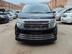 NISSAN ELGRAND RIDER 3.5 V6 Automatic 8 Leather Seats Sunroof