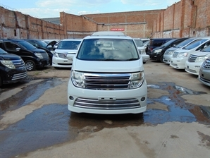 NISSAN ELGRAND RIDER 3.5 V6 Automatic 8 Leather Seats Sunroof 4WD LOW MILAGE Electric Door