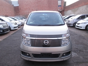 NE51 NISSAN ELGRAND XL 3.5 V6 Auto 7 Leather Seats 4WD Sunroof Alphard