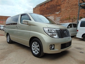 NISSAN ELGRAND X Leather 3.5 V6 Automatic 8 Seater MPV Heated seats 34000 miles