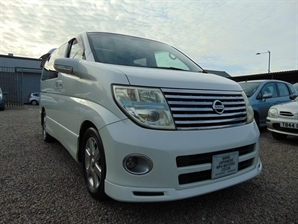 NISSAN ELGRAND Highway Star 3.5 V6 Automatic LEATHER 4WD