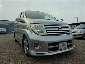 NISSAN ELGRAND Highway Star 3.5 V6 Automatic Red LEATHER 4WD